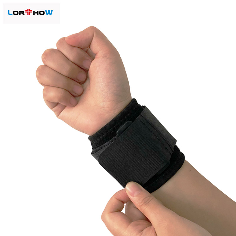 Black Wrist Bands and Sports Wrist Wrap with enhancing Strap Supporting Gym Wrist Featured Image