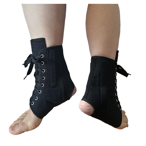 Canvas Laced-up Ankle Splint with contoured stays to prevent sprains after injury Featured Image