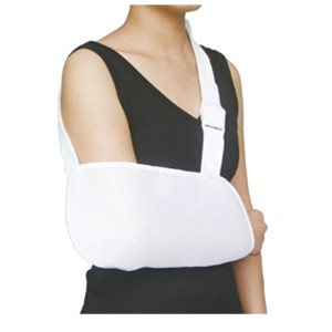 Complex Mesh Arm Sling of envelope design with adjustable strap for foarm protection after surgical